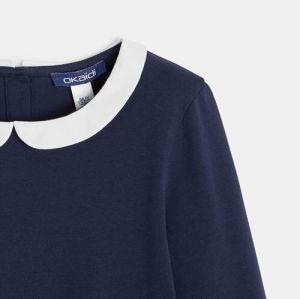 Plain-colored t-shirt with a Peter Pan collar