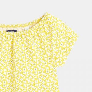 T-shirt with a flowery print