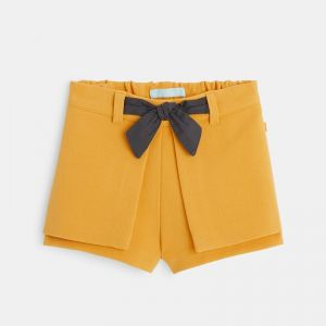Knit shorts with flaps and a bow