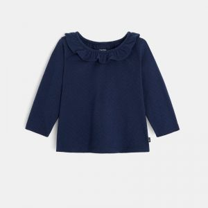Trendy knit t-shirt with a frilled collar