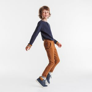 Plain-colored cotton and twill chino pants